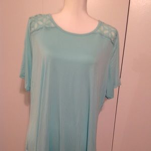 Avenue Blouse Size 18/20 new green color
